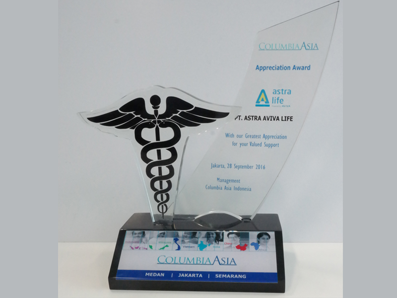 photo-2-rs-columbia-asia-award-2016-best-communication-life-insurance-_-timely-payment-to-provider